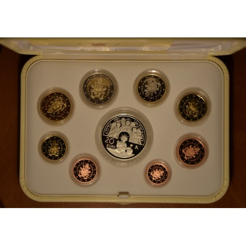 Official 8 coins set of Vatican 2017 + Ag medal (Proof)