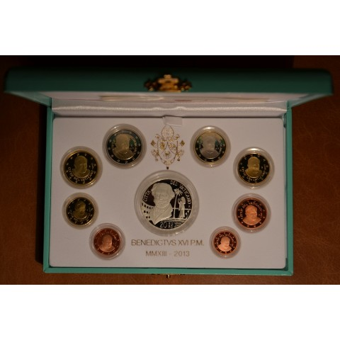 Official 8 coins set of Vatican 2013 + 20 Euro Ag coin (Proof)