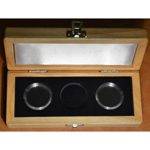 Deluxe wooden box for three 2 Euro coin in capsula (cherry / black velvet)